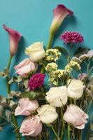 belles fleurs d'arrangement avec espace de copie photo