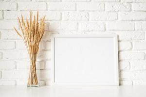 modèle d'affiche maquette avec décoration de blé photo