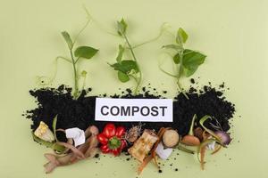 le compost de composition fait de la nourriture pourrie photo