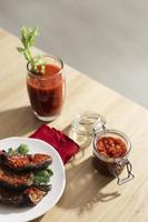 le repas nutritif avec arrangement sambal photo