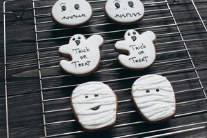 biscuits d'halloween faits maison. photo