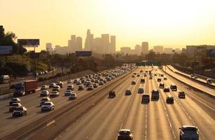 autoroute de los angeles dans la circulation dense photo