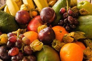 papaye et autres fruits sur un marché photo
