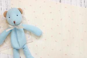 stock photographie plat lay texte lettre enveloppe mignon ours bleu photo