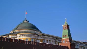 célèbre spot de voyage place rouge kremlin de moscou, russie photo