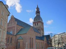célèbre vue paysage de l'architecture dans la vieille ville de lettonie riga photo
