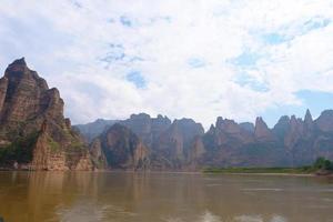 vue paysage de la rivière jaune à liujia xia lanzhou gansu, chine. photo