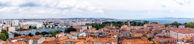 zadar en croatie du point de vue de sv. cathédrale stosije photo