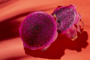 composition de délicieux fruits exotiques du dragon photo