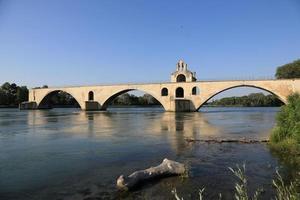 sur le pont d'avignon, sud de la france photo