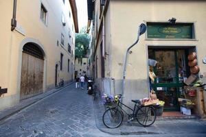 paysage urbain de ruelle à florence, italie photo