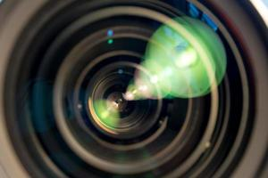 gros plan des lames d'ouverture d'un objectif de cinéma photo