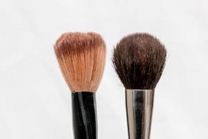 pinceaux de maquillage avec un fond blanc à rio de janeiro, brésil photo