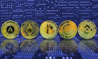 collection de crypto-monnaie de pièce d'or photo