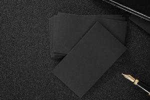 carte de visite noire vierge maquette fond noir photo