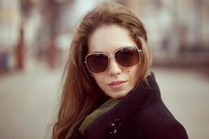 portrait d'une belle jeune femme photo