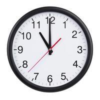 onze heures sur un cadran d'horloge photo