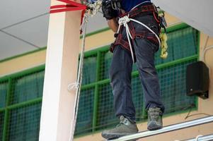 Gros plan sur la formation du bas du corps des pompiers pour la protection contre les exercices d'incendie photo