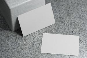 modèle de maquette de papier de carte de visite blanche photo