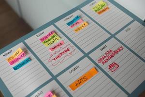 horaire hebdomadaire coloré pour les cours universitaires et le temps libre photo