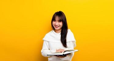 le concept de lecture de livres augmente les connaissances, augmente photo
