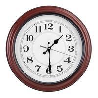 une heure et demie sur une horloge ronde photo