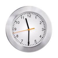 onze heures et demie sur l'horloge photo