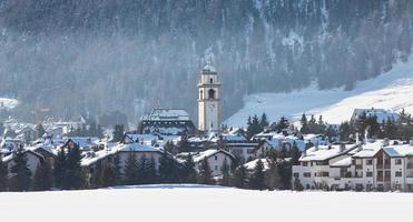 celerina dans la vallée de l'engadine suisse photo