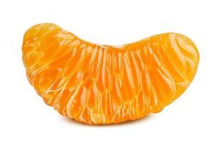 délicieuse tranche de mandarine mûre photo