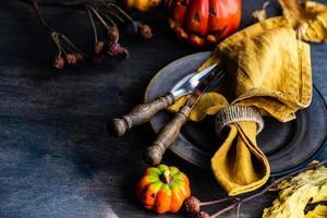 réglage de la table de vacances de Thanksgiving photo