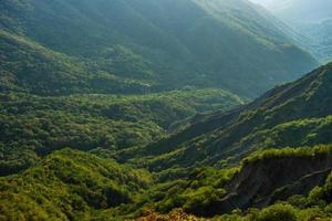 paysage de montagne géorgien photo