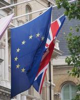 drapeau du royaume-uni uk aka union jack et union européenne photo