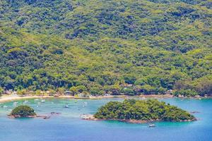 grande île tropicale ilha grande abraao beach panorama brésil. photo