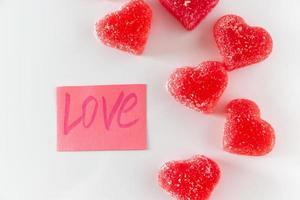 autocollant avec le mot amour et marmelade photo