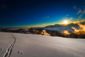 piste de ski sur les alpes italiennes photo