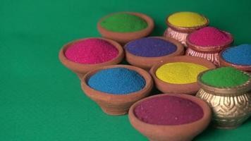 rangoli coloré pour le festival de diwali dans des bols photo