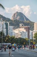 rio de janeiro, brésil, 2015 - mont du pain de sucre vu de copacabana photo