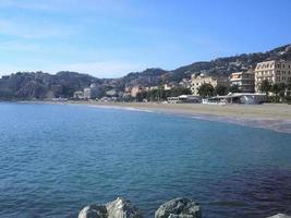 vue sur la mer à albissola marina photo