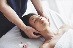 massages orientaux traditionnels et soins de beauté. photo