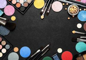 ensemble de cosmétiques décoratifs photo