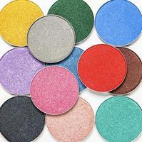 fard à paupières couleurs assorties photo