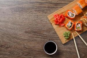 ensemble de sushis makis photo