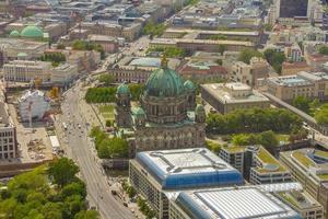 vue aérienne de l'île aux musées à berlin photo