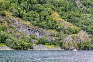 excursion en bateau et vacances dans une belle flam à aurlandsfjord norvège. photo