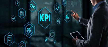 indicateur de performance clé kpi concept de technologie internet d'entreprise sur écran virtuel photo