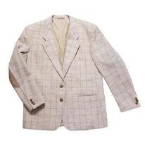 Blazer à carreaux classique close up isolé sur fond blanc, veste sur fond blanc photo