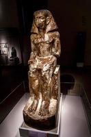 Turin, Italie, 3 juin 2015 - statue du gouverneur Wakha, fils de Neferhotep au Museo Egizio de Turin, Italie. Le musée abrite l'une des plus grandes collections d'antiquités égyptiennes, plus de 30 000 objets. photo