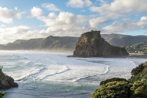 lion rock, piha