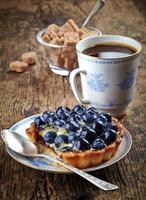 tarte aux bleuets et café