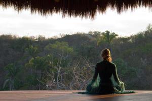méditation dans la jungle